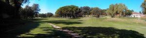 Golf Cart Path - Beachten Sie die Farbübereinstimmung mit dem vorhandenen Fairway am 1. Loch.